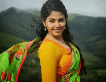 The figure of this South Indian actress is extremely attractive, see Bold pictures