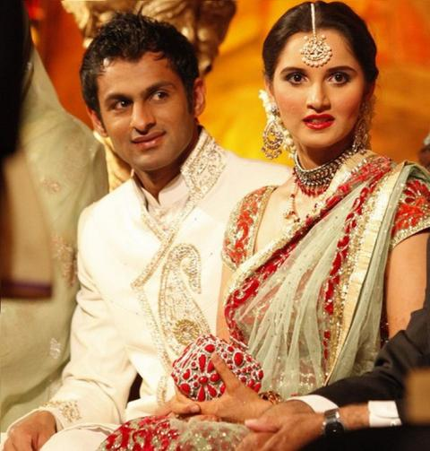8 Foreign Cricketers Who Marry With Indian Girls