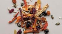 Dried fruit snack mix