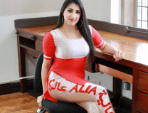 See the beautiful pics of this girl from Pakistan, her name will surprise you...