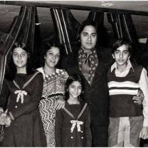 On Sunil Dutt's death anniversary, Sanjau Dutt shares a throwback picture with 'the pillars' of his family - view post