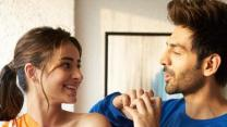 Kartik Aaryan is first Indian actor to get an Instagram filter with Pati Patni Aur Woh song Ankhiyo Se Goli Mare