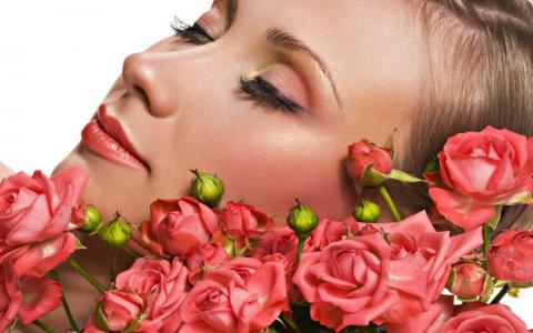 Use roses to hydrate skin, treat acne and de-stress