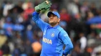 Dhoni's situation remains unchanged - with or without a contract
