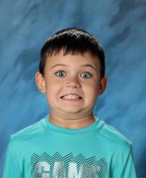Moms Are Sharing Their Kid's Funny School Pictures