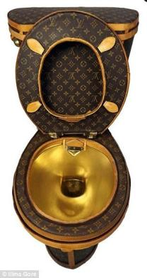 Someone Made A Louis Vuitton Toilet From 24 Designer Bags Worth ₹65 Lakh. No Shit!